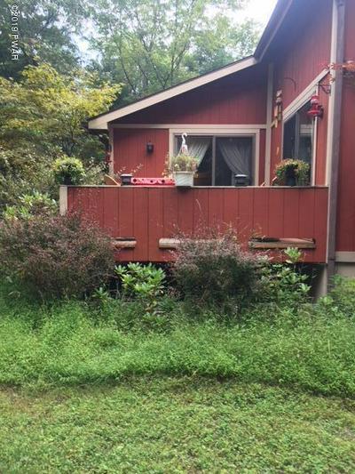 664 TWIN LAKES RD, SHOHOLA, PA 18458 - Photo 2