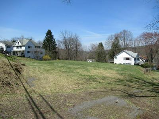 147 BELLEMONTE AVE, Hawley, PA 18428 - Photo 1