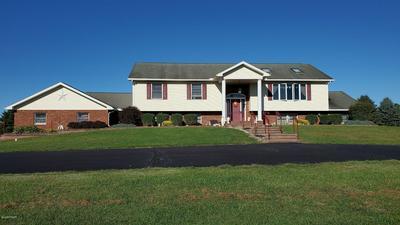 104 SIMONS RD, Greentown, PA 18426 - Photo 2
