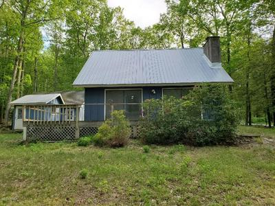 223 FOREST DR, Hawley, PA 18438 - Photo 1