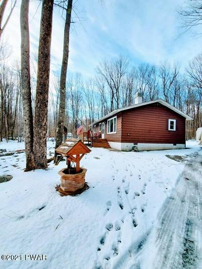 114 MOUNTAIN DR, Greentown, PA 18426 - Photo 2