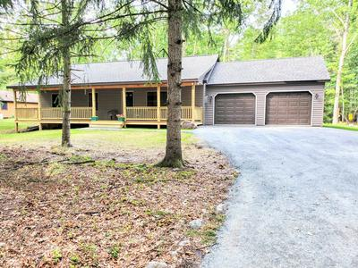 8 SUNNY POINT RD, Lakeville, PA 18438 - Photo 2