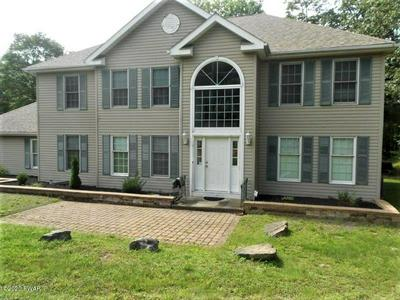 800 WARBLER CT, Lords Valley, PA 18428 - Photo 1