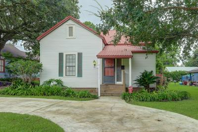 119 BRACY ST, Jeanerette, LA 70544 - Photo 2