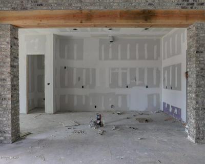 133 SAN SABASTIAN DR, Youngsville, LA 70592 - Photo 2