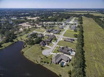 135 GRANDVIEW TERRACE DR, Youngsville, LA 70592 - Photo 2