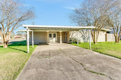 1142 WILLIAM AVE, Crowley, LA 70526 - Photo 1