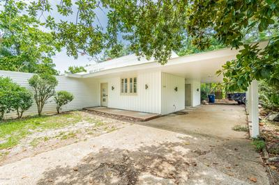 425 W 15TH ST, Crowley, LA 70526 - Photo 2