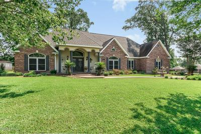 307 ROLLING OAKS DR, Opelousas, LA 70570 - Photo 2