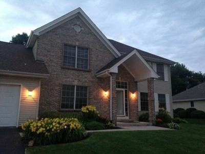 5926 SWEET GRASS DR, ROSCOE, IL 61073 - Photo 2