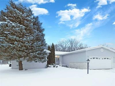 8715 SPRINGWOOD CT, ROSCOE, IL 61073 - Photo 1
