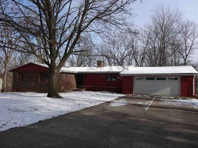 817 TOMAHAWK DR, OREGON, IL 61061 - Photo 1