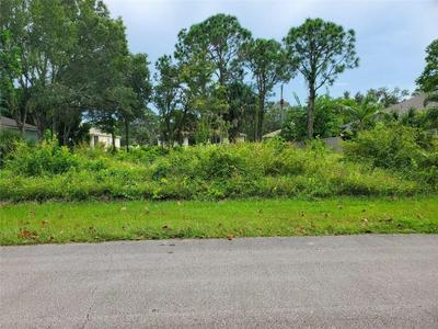 855 BERMUDA AVE, Sebastian, FL 32958 - Photo 2