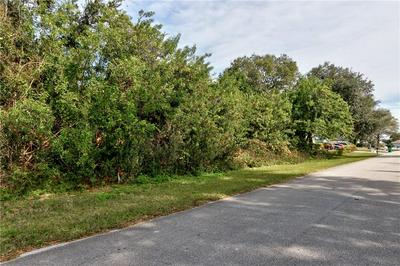 842 SALEM AVE, Sebastian, FL 32958 - Photo 2