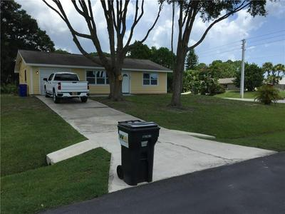 501 AUTUMN TER, Sebastian, FL 32958 - Photo 2