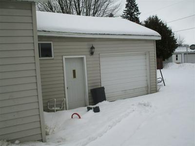 522 WASHINGTON ST, OCONTO, WI 54153 - Photo 2