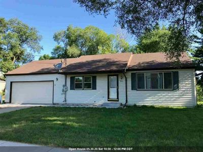 420 W DIVISION ST, Wautoma, WI 54982 - Photo 1