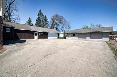 427 E MAIN ST, Hortonville, WI 54944 - Photo 2