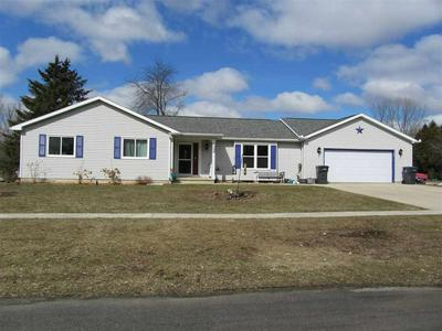 101 KNOLL CT, Rosendale, WI 54974 - Photo 1