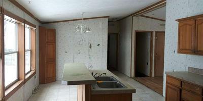 210 ALIMEDA ST, MARINETTE, WI 54143 - Photo 2