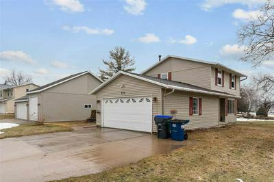 232 LAKEVIEW AVE, Hortonville, WI 54944 - Photo 2