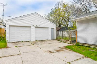 1222 S 17TH ST, MANITOWOC, WI 54220 - Photo 2