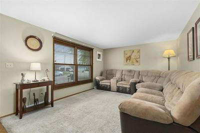 337 BRANTWOOD CT, Neenah, WI 54956 - Photo 2