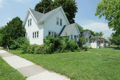 901 MONROE ST, OSHKOSH, WI 54901 - Photo 2