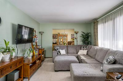 130 W PARK RIDGE AVE, APPLETON, WI 54911 - Photo 2