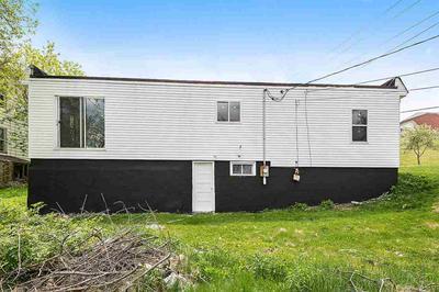 419 ELLIS ST, KEWAUNEE, WI 54216 - Photo 2
