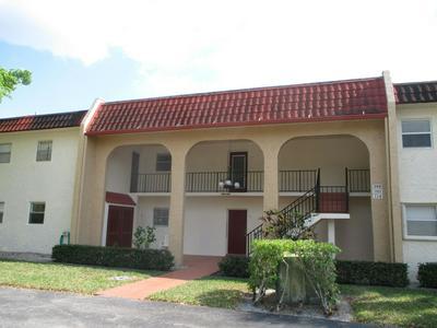 106 LAKE EVELYN DR, WEST PALM BEACH, FL 33411 - Photo 1