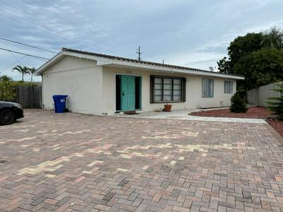 4220 NE 12TH AVE, Pompano Beach, FL 33064 - Photo 1