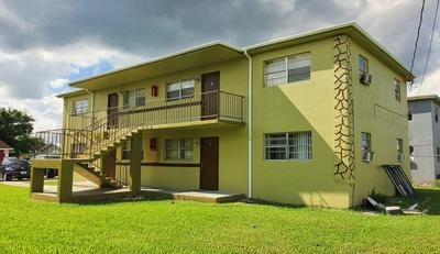 429 N COCOANUT RD APT 5, Pahokee, FL 33476 - Photo 1