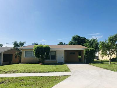 214 SW 10TH AVE, Boynton Beach, FL 33435 - Photo 2