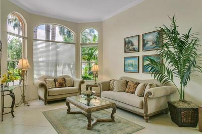 10852 GRANDE BLVD, West Palm Beach, FL 33412 - Photo 2