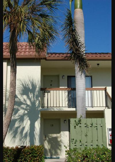 3275 FREDERICK BLVD APT 17U, Delray Beach, FL 33483 - Photo 1