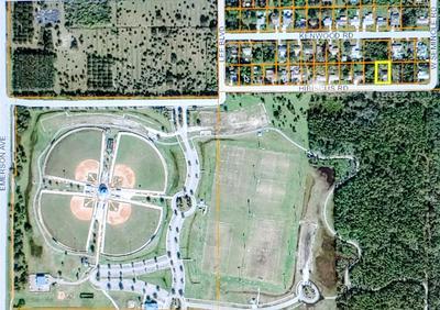 8202 HIBISCUS RD, FORT PIERCE, FL 34951 - Photo 2