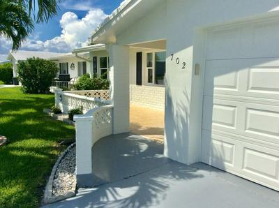 702 SW 15TH ST, Boynton Beach, FL 33426 - Photo 2