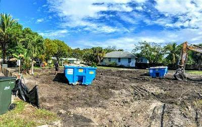 304 SE 5TH ST, Delray Beach, FL 33483 - Photo 2