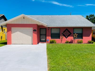 5633 SE KATHARINE AVE, Stuart, FL 34997 - Photo 1
