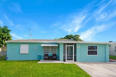 2819 BUCKLEY AVE, Lake Worth, FL 33461 - Photo 1