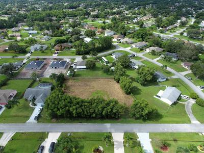 472 NW RAYMOND LN, Port Saint Lucie, FL 34983 - Photo 2