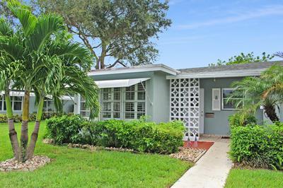 722 SOUTH DR APT A, Delray Beach, FL 33445 - Photo 2