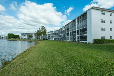 1082 GUILDFORD E, Boca Raton, FL 33434 - Photo 2