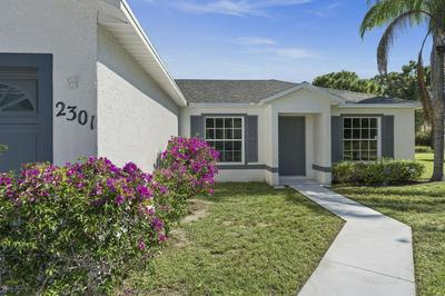 2301 SW SUSSET LN, PORT SAINT LUCIE, FL 34953 - Photo 2