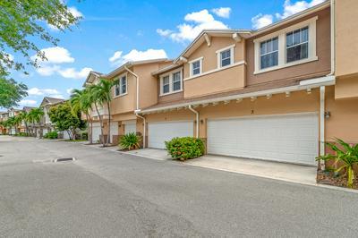 450 AMADOR LN UNIT 3, West Palm Beach, FL 33401 - Photo 2