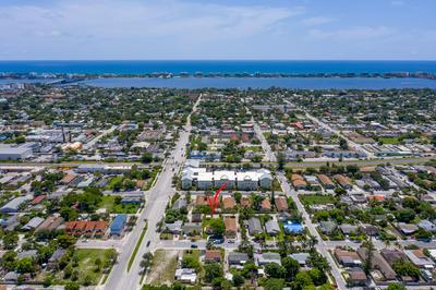 614 S E ST, Lake Worth Beach, FL 33460 - Photo 2