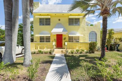 422 N LAKESIDE DR, Lake Worth Beach, FL 33460 - Photo 1