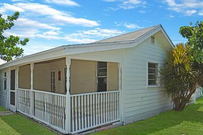 1010 SE 9TH ST, Stuart, FL 34996 - Photo 2