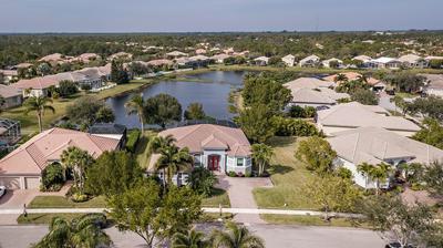 7018 SE SLEEPY HOLLOW LN, Stuart, FL 34997 - Photo 2